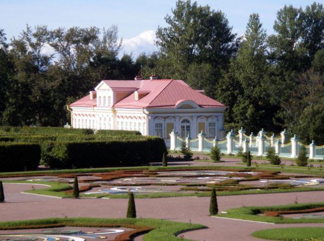 Картинный дом в Нижнем парке