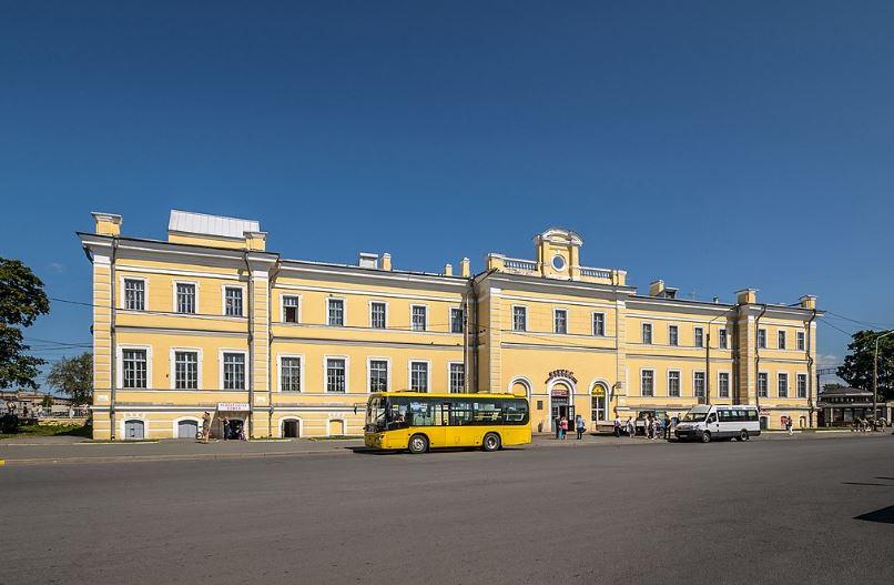 Железнодорожная станция  в городе Ломоносов